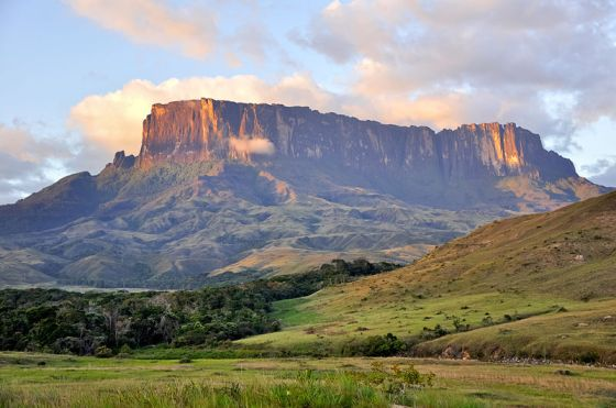 kukenan-tepui-in-gran-sabana-national-park-venezuela